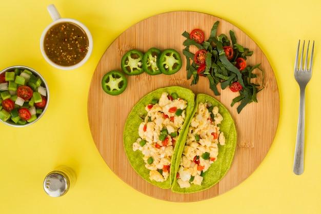 Bovenaanzicht heerlijke vegetarische taco