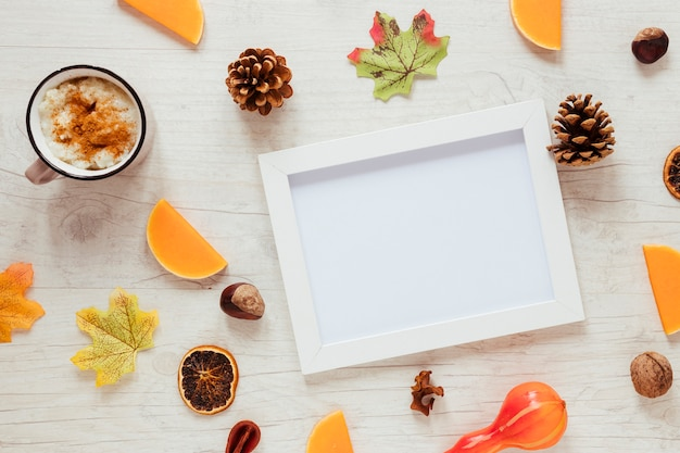 Bovenaanzicht herfst voedsel met een frame