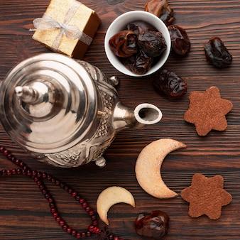 Bovenaanzicht islamitisch nieuwjaar concept met datums