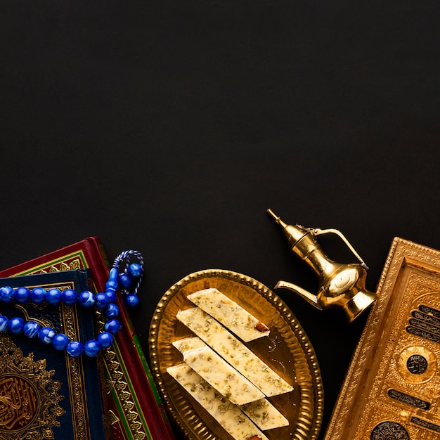 Bovenaanzicht islamitisch nieuwjaar concept met kopie ruimte