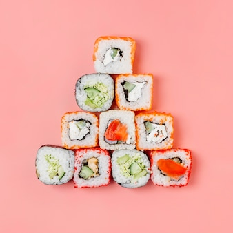 Bovenaanzicht japanse sushi arrangement