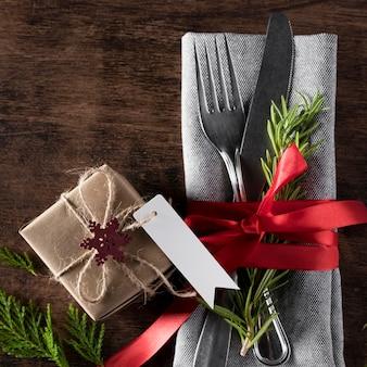 Bovenaanzicht kerst servies arrangement