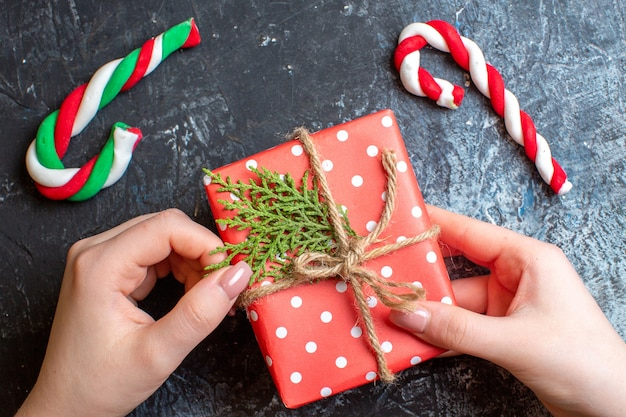 Bovenaanzicht kerstcadeau