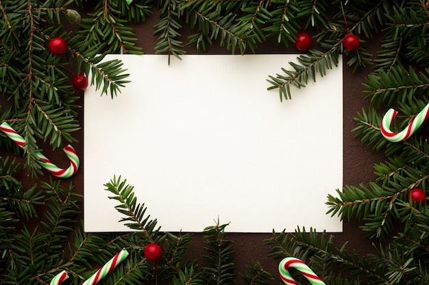 Bovenaanzicht kerstdecoratie met mock-up