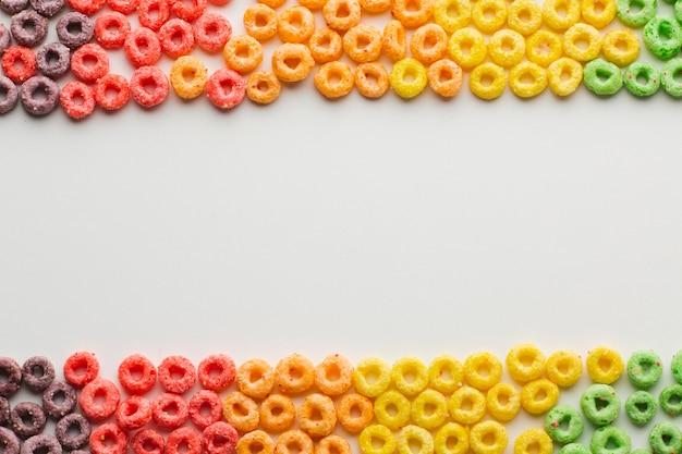 Bovenaanzicht kleurrijke granen met kopie ruimte