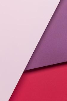 Bovenaanzicht kleurrijke kasten op tafel
