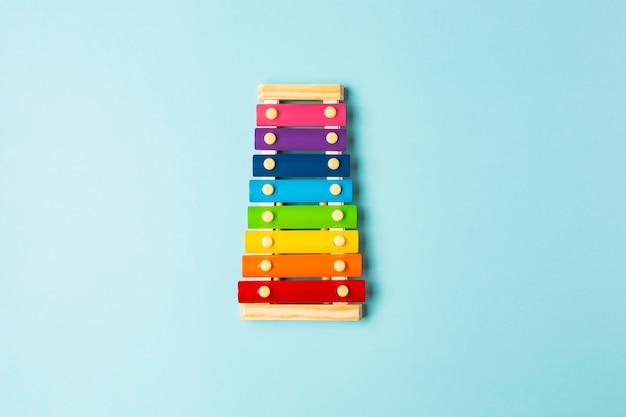 Bovenaanzicht kleurrijke xylofoonregeling
