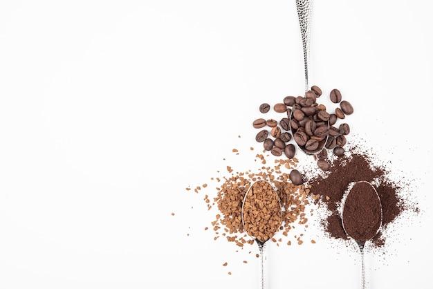 Bovenaanzicht koffie in verschillende staten
