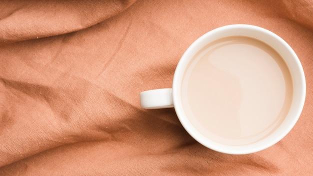 Bovenaanzicht koffie met melk