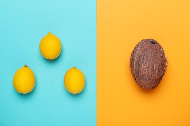 Bovenaanzicht kokos en citroenen arrangement