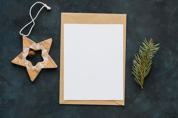 Bovenaanzicht kopie ruimte papieren en ster