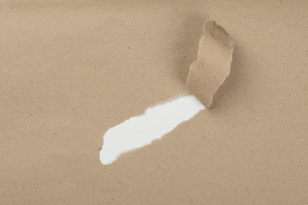 Bovenaanzicht kras van papier