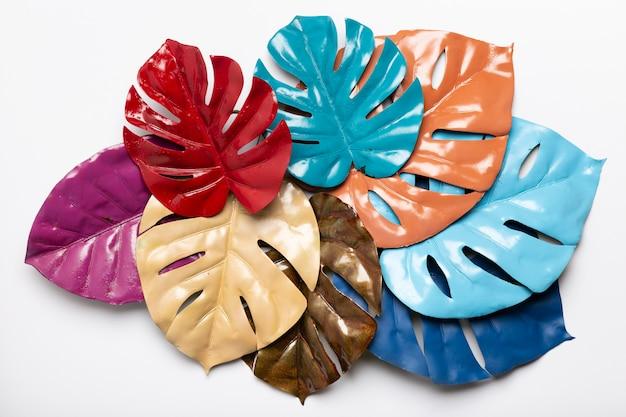 Bovenaanzicht kunstwerk in papier geometrische vormen stijl