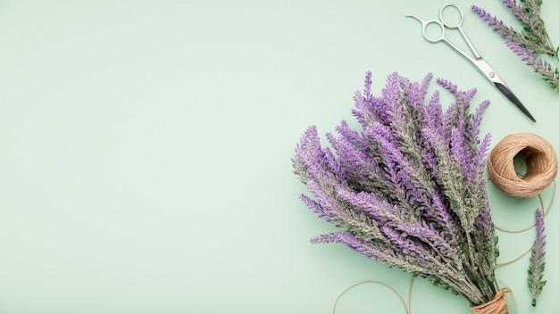 Bovenaanzicht lavendel boeket met kopie-ruimte