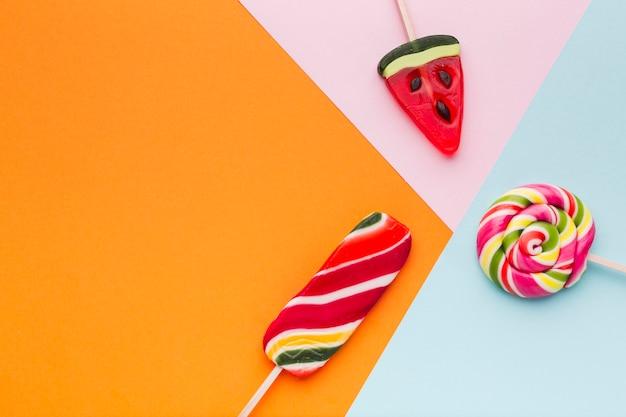 Bovenaanzicht lekker kleurrijke lollys
