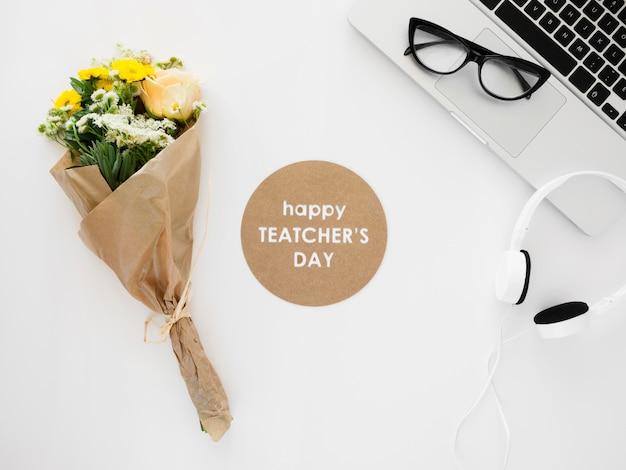Bovenaanzicht leraar bureau concept