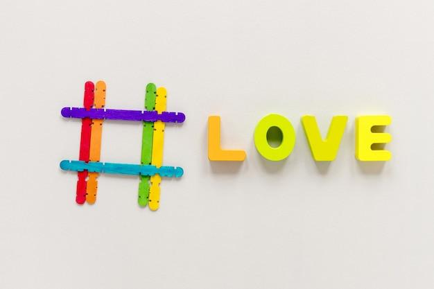 Bovenaanzicht liefde bericht