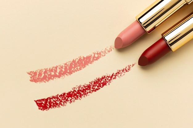 Bovenaanzicht lippenstift arrangement