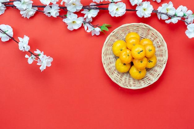 Bovenaanzicht luchtfoto shot van arrangement decoratie chinees nieuwjaar.