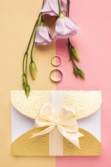 Bovenaanzicht luxe bruiloft briefpapier