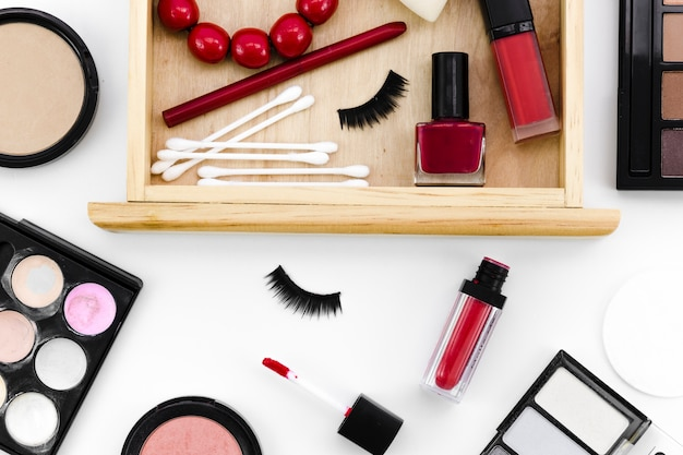 Bovenaanzicht make-up met lade