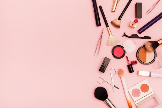 Bovenaanzicht make-up plat leggen