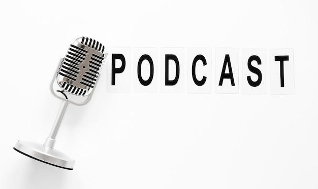 Bovenaanzicht microfoon voor podcast