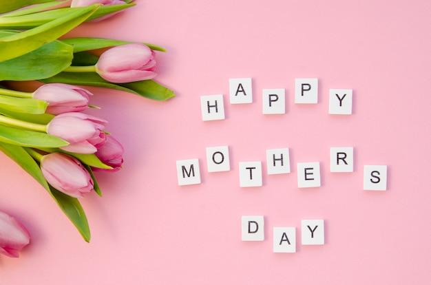 Bovenaanzicht moederdag groet met bloemen