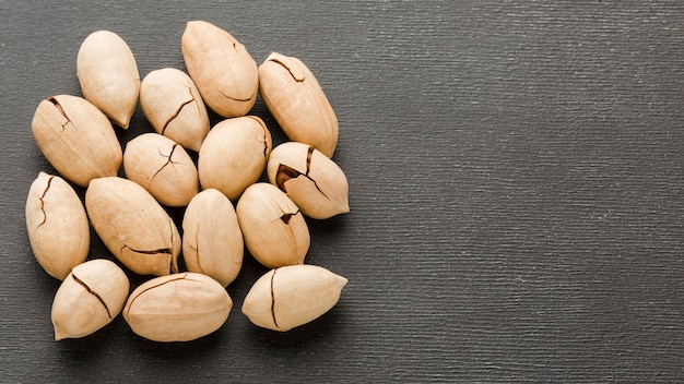 Bovenaanzicht noten met kopie ruimte