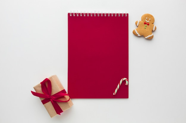 Bovenaanzicht notitieboek met mock-up