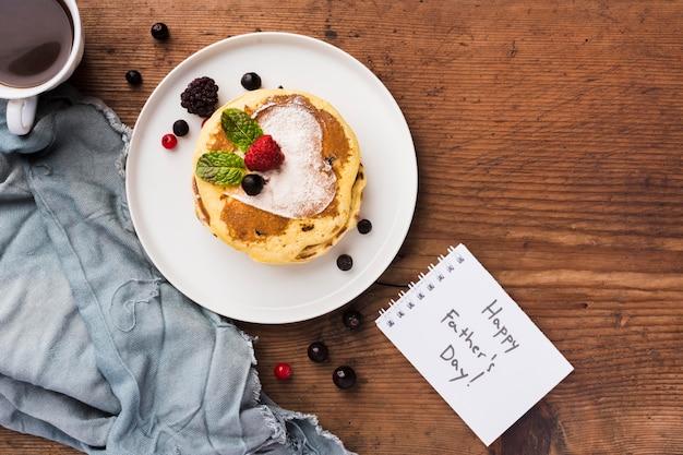 Bovenaanzicht ontbijt voor vader
