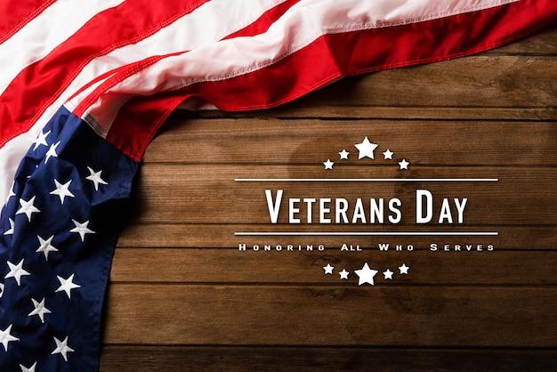 Bovenaanzicht overhead amerika verenigde staten vlag herdenkingsherdenking en bedankt van held