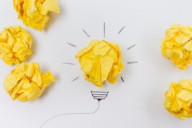 Bovenaanzicht papel ballen idee concept
