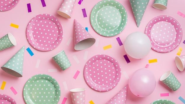 Bovenaanzicht pastel kleur partij tablewear