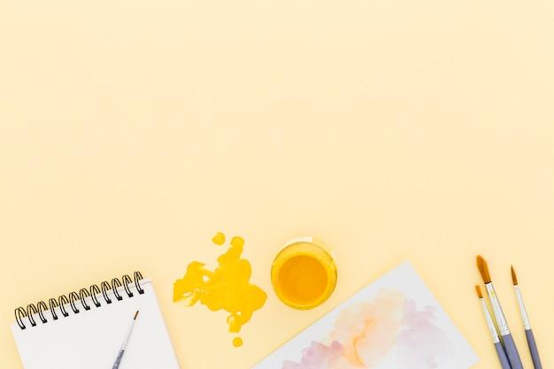 Bovenaanzicht penselen met kopie ruimte