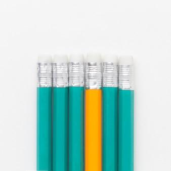 Bovenaanzicht potloden onder
