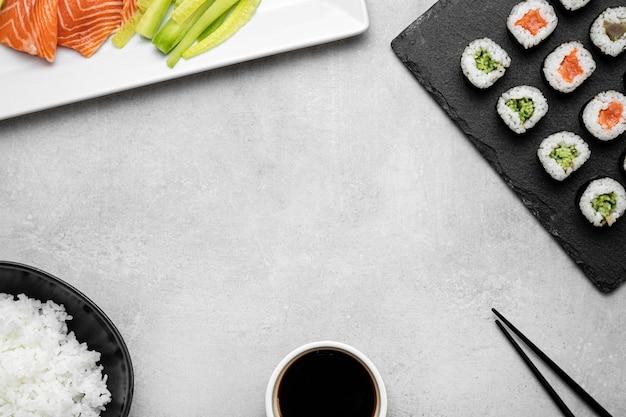 Bovenaanzicht rauw voedsel en kopie-ruimte Gratis Foto
