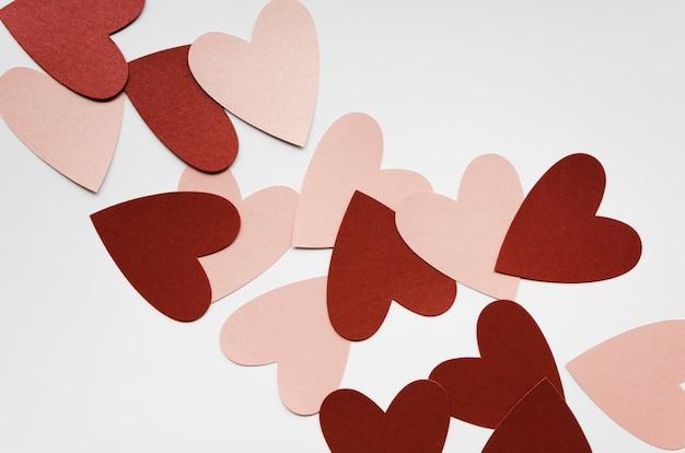 Bovenaanzicht rood en roze hart collectie