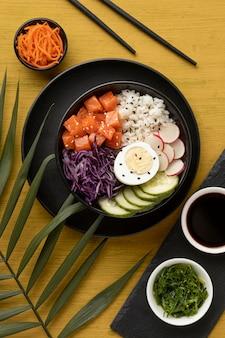 Bovenaanzicht samenstelling van heerlijke por bowl