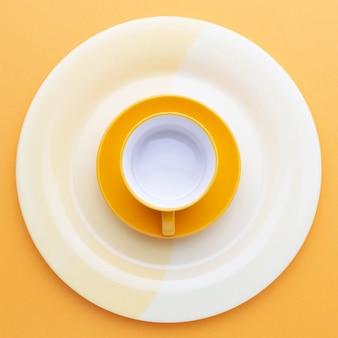 Bovenaanzicht schoon serviesgoed