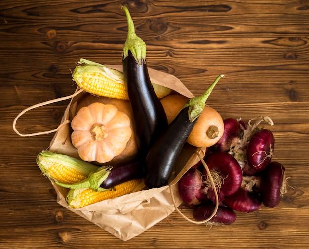 Bovenaanzicht seizoensgebonden groenten samenstelling