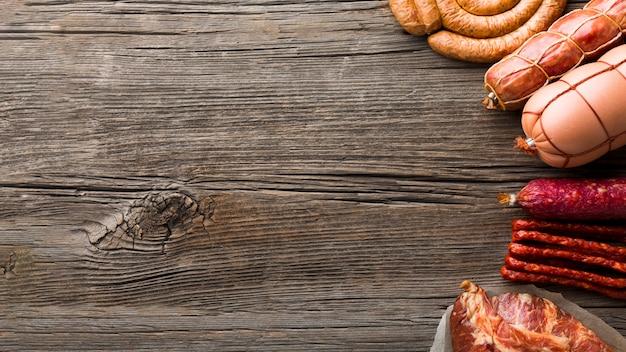 Bovenaanzicht selectie van smakelijke vlees met kopie ruimte