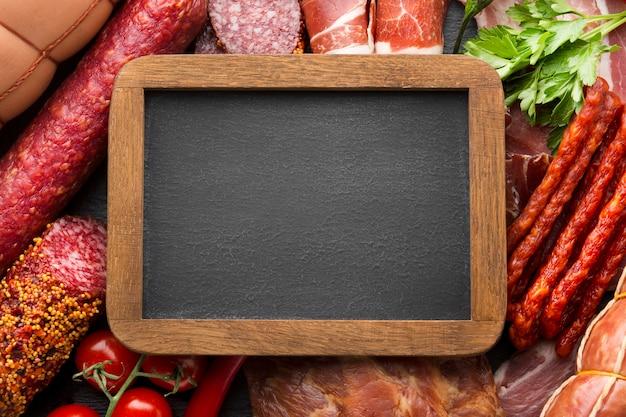 Bovenaanzicht selectie van vlees met frame