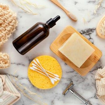 Bovenaanzicht serum en zeep