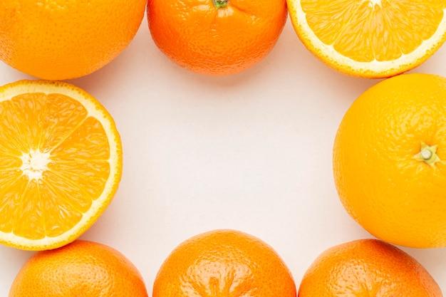 Bovenaanzicht sinaasappels arrangement