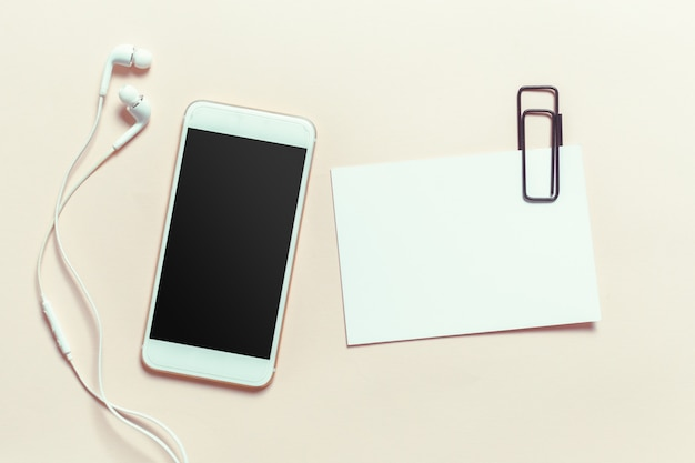Bovenaanzicht smartphone mock up sjabloon met zwart scherm