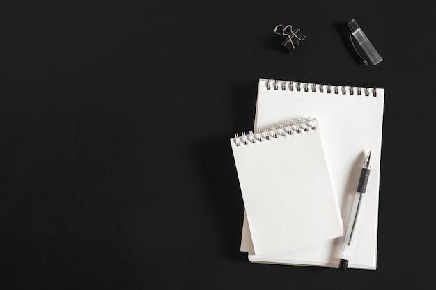 Bovenaanzicht spiraal notebook