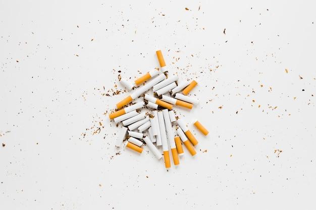 Bovenaanzicht stapel van sigaretten