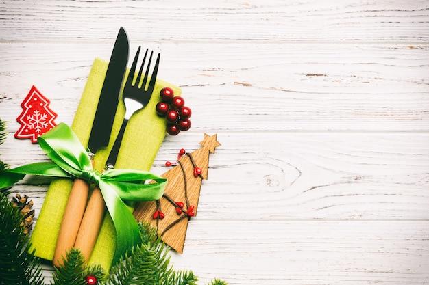 Bovenaanzicht tafel instelling voor kerstmis