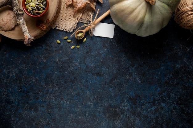 Bovenaanzicht thanksgiving voedselrandassortiment met kopieerruimte
